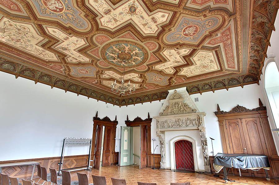 Schloss 10<div style='clear:both;width:100%;height:0px;'></div><span class='cat'>Schloss</span>